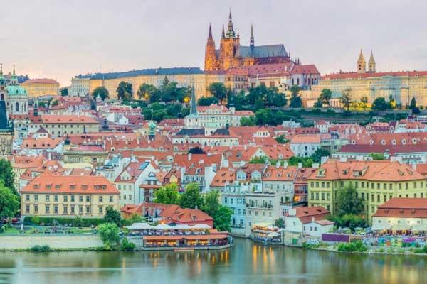 Czech - حمل و نقل بین المللی به مجارستان ، چک و اسلواکی