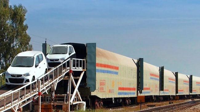 خودرو با قطار 650x365 - حمل ریلی (حمل با قطار)